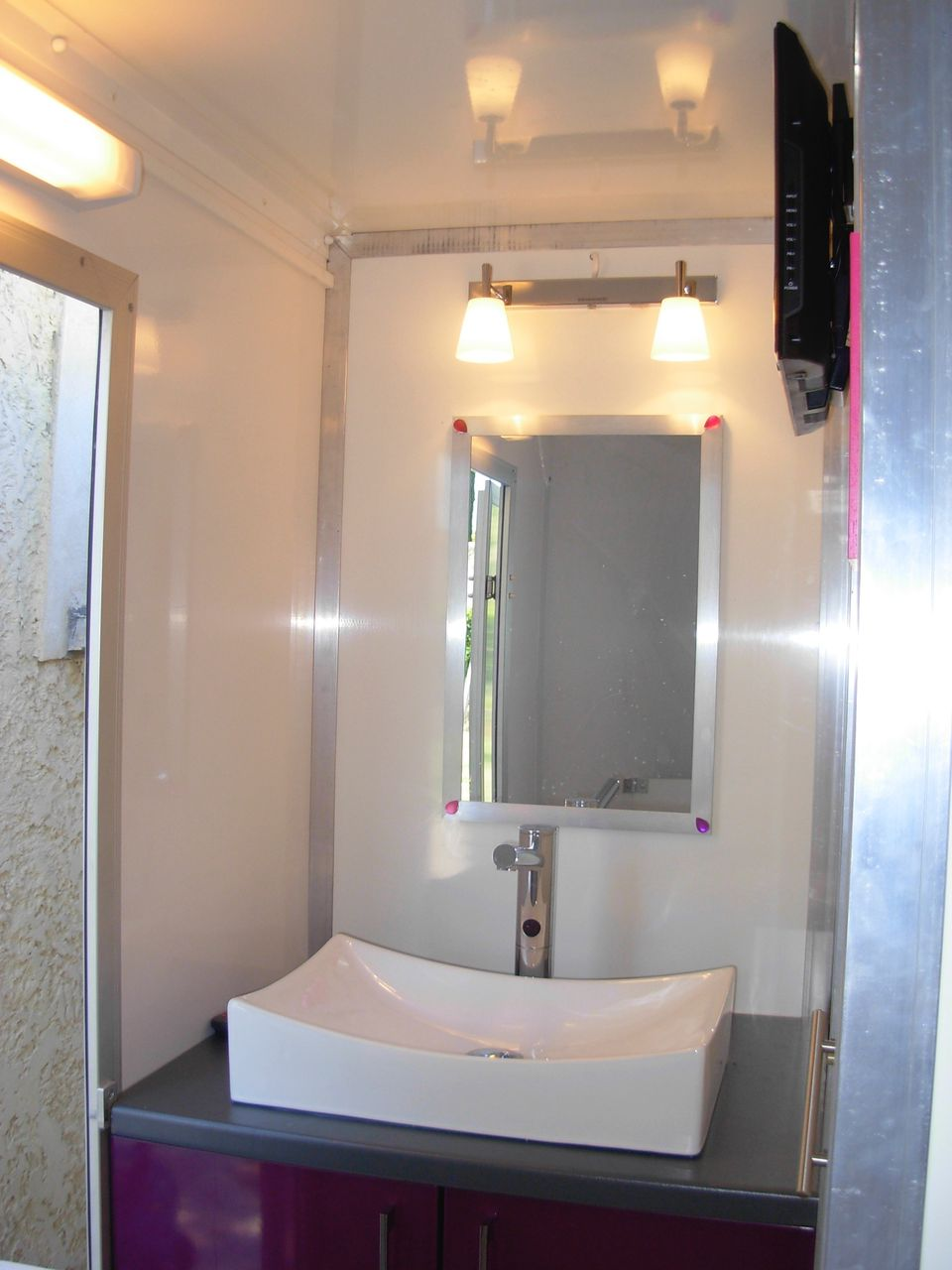 Dscn4410 bio sanitaire location - Wc chimique caravane ...