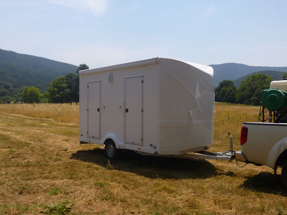 location caravane sanitaire avignon bio sanitaire location. Black Bedroom Furniture Sets. Home Design Ideas