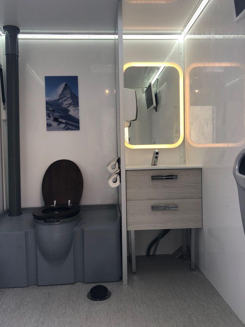 bsl location de wc chimiques et de sanitaires mobiles. Black Bedroom Furniture Sets. Home Design Ideas