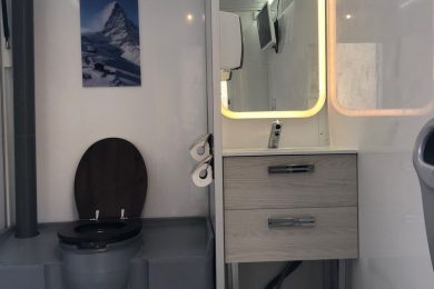 locasion-sanitaires-premium-vaucluse-caravane-wc